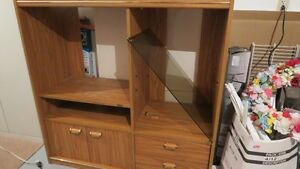 Oak tv/ entertainment unit