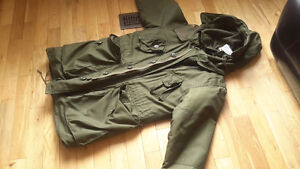 Military combat army parka extreme cold almost new 1990