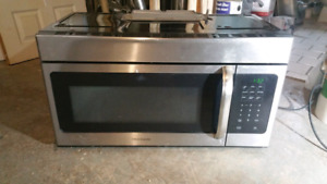 Frigidaire Built in Microwave Oven