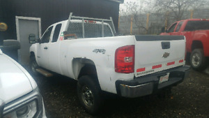 08 Chev 2500 HD parts or whole