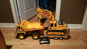 RC dump truck and tractor