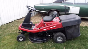 "Craftsman 13.5hp hyd e/s rider w/ 30"" deck & bagger REDUCED!!"