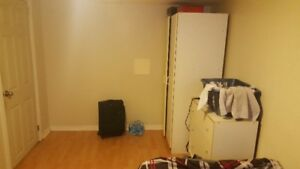 one bedroom sublet near Mcmaster University May-Aug
