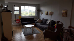 Large 4.5 apartment at NDG/grand 4.5 a louer a NDG