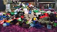 Very Large Pile of Legos  Over 2200 pieces about 10 lbs of lego