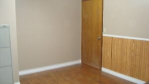 2 room office for Rent
