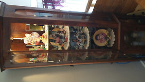 Curio Cabinet.Exl.Con..Soild Wood.$115.Firm.