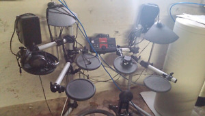 Yamaha DTXplorer electronic drum set with speakers and amp