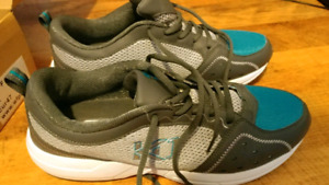 NEW MENS SNEAKERS SIZE 12