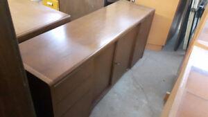 Differents meubles de bois noble a vendre