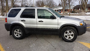 2005 Ford Escape XLT SUV, Crossover Kitchener / Waterloo Kitchener Area image 2