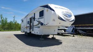 2011 Sundance 5ft Wheel 38 feet (New Price)$23,000.00