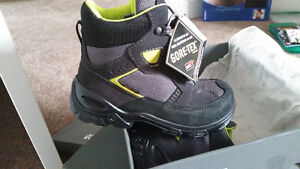Ecco boots new size 13.5 West Island Greater Montréal image 2