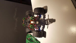 Hpi savage xs with lot of up upgrades !! West Island Greater Montréal image 8