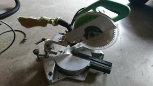 COMPOUND SLIDING MITRE SAW