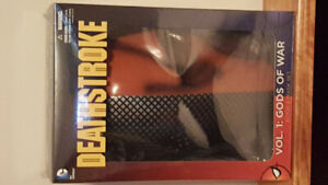 DC Comics Deathstroke Book & Mask Set Brand New Sealed