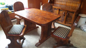 Price drop Rustic style Table and chairs