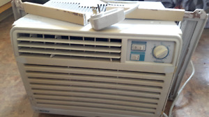 Affordable AIr Conditioner,TV And Dinning Table in great Conditn