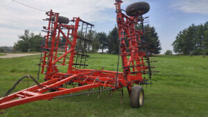 McKee 28' Cultivator in Great Condition!