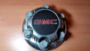ONE/UNE GMC 6 Bolt Lug Wheel Cap Cover - 15712373