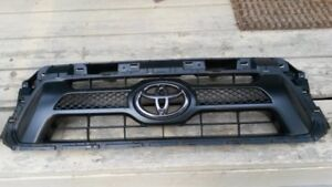 Tacoma Parts 2005+ Grille & Battery