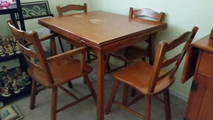 Dining Room Table, Chairs & Hutch For Sale