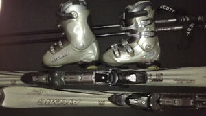 Women's/Girls – Atomic Downhill Skis 150cm Boots Size 6 ½ Poles