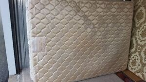 queen size mattress and boxspring delivery included