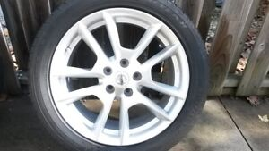 2011 Nissan Maxima Wheels and Tires with TPMS