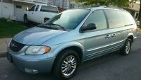 2003 Chrysler Town & Country limited edition Minivan, Van
