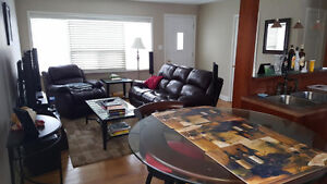 Beautiful detached bungalow in central K/W- Lease discount ! Kitchener / Waterloo Kitchener Area image 4