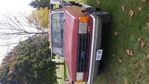1987 Ford F-250 Pickup Truck London Ontario image 2