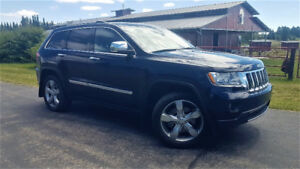 2011 Jeep Grand Cherokee Overland DVD SUV, Crossover