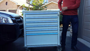 EXTRA WIDE HEAVY DUTY TOOL BOX FOR SALE!