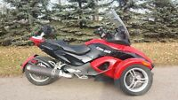 2009 Can Am Spyder must go!
