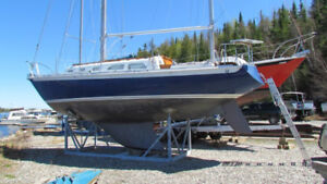 1976  Ericson 32-2 Sailboat   $20,000 cad