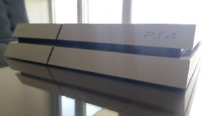 [SELLING] PS4 GLACIER WHITE 500GB with 2 controllers