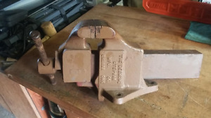 "Large very strong vise with a 8"" jaw opening,"