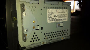 Ford cd changer London Ontario image 3
