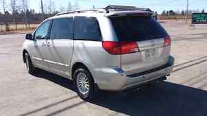 2004 Toyota Sienna AWD LIMITED DVD