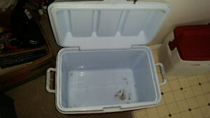 Large Rubbermaid cooler only $15 see my other ads........ London Ontario image 2