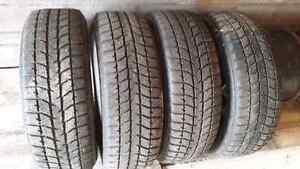 pneus d'hiver Blizzak 225/65R16 avec jante Dodge Grand Caravane Saguenay Saguenay-Lac-Saint-Jean image 1