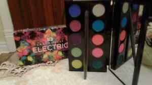 "Urban Decay ""Electric"" Eye Shadow Palette"