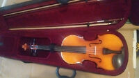 4/4 full size violin for sale_urgent