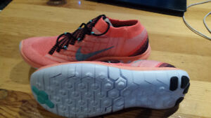 Nike Womens 3.0 Flyknit Running Shoes- Brand New!