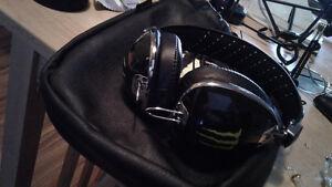 Skull candy new monster energy headphonesources cord has volume St. John's Newfoundland image 3