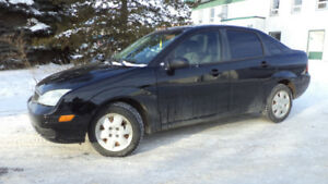 2006 FOCUS - AUTO  - WINTER TIRES - A/C - ONLY 115,000KMS