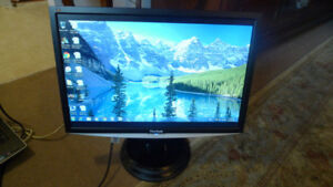 "22"" Viewsonic VX2240W Widescreen Monitor 1680x1050 HD"