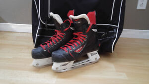 Patins de hockey CCM RBZ - pointure 5 jr - 1 saison Atome