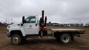 2008 GMC 5500 4WD with Fassi F65 Picker